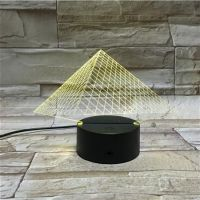 3D lampa Pyramids